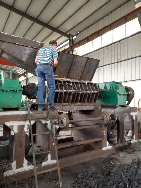 Jordan customers visit automatic tyre recycling line