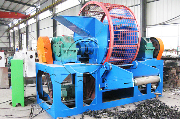 Double-shaft tyre shredder